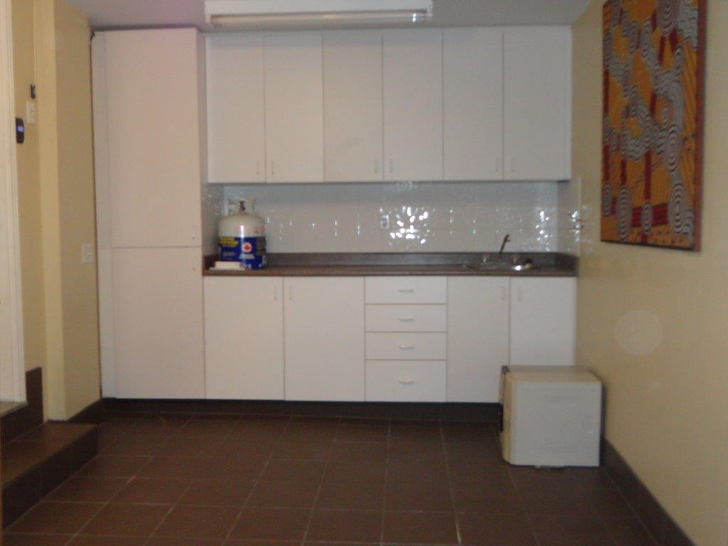 Garage Sink Unit : Brampton end-unit condo townhouse Bovaird Hurontario finished basement ...